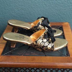 Shoes - Women's Delmar Debs Pump Slide Sandals, Gold w Bow